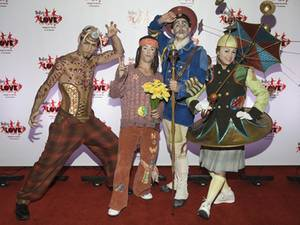 Members of the <em>Love</em> cast, promoting red-carpet interplay.