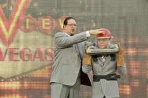 Early risers Penn & Teller give <em>The View</em> audience a taste of Vegas entertainment.