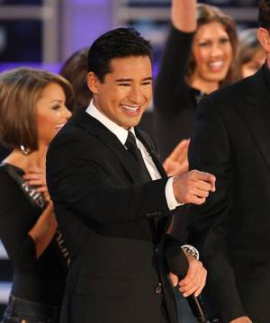 Mario Lopez hosts the 2009 Miss America Pageant.
