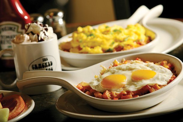 Best Skillets: The Cracked Egg