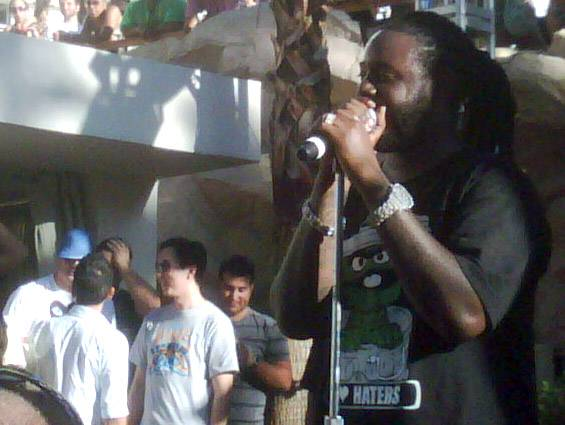 T-Pain put on a painful show at Rehab.