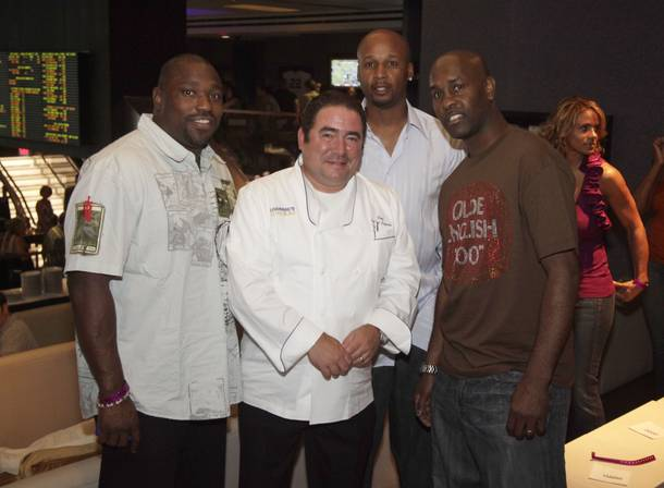 Retired NFL star Warren Sapp joined Emeril Lagasse, Lakers Coach Brian Shaw and retired basketball star Gary Payton for the opening of Lagasse's Stadium at the Palazzo.