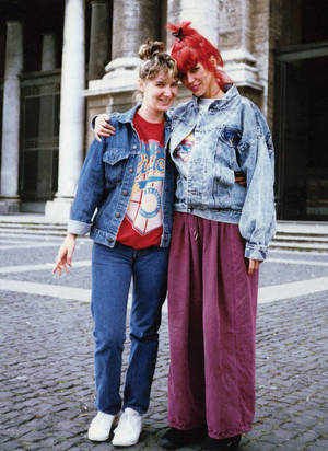Annie Ample with her daughter, Holly, in Italy in 1989.