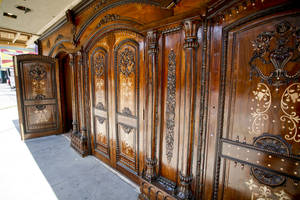 The ornately-carved doors of Maharaja