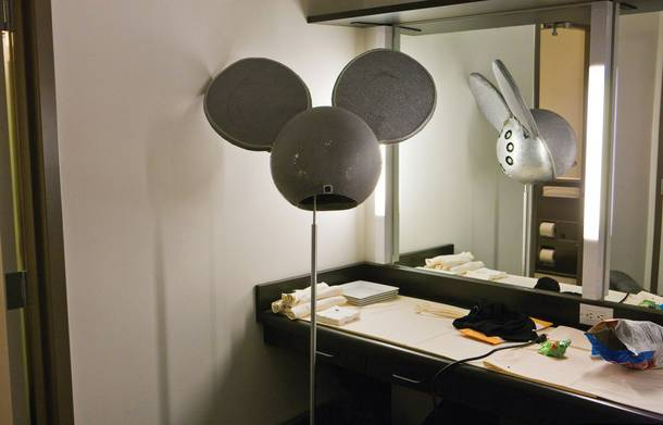 Sometimes Things Get Complicated (LED mau5head backstage before the VMAs)