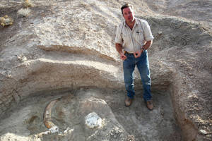 Paleontologist Eric Scott, with Tule Springs fossils.
