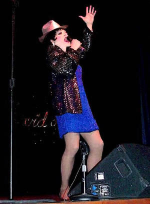 De Alba as Broadway great Liza Minnelli.