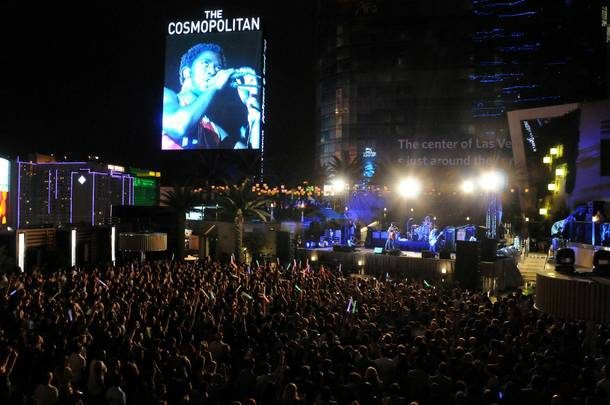 Bloc Party played Cosmopolitan's Boulevard Pool on August 11, 2012.