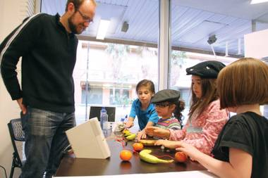 Kids learn to harness the power of a banana at Syn Shop.