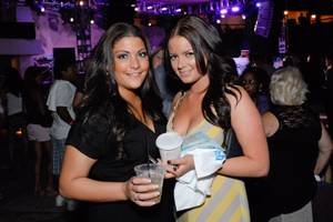 Weekly's Music Issue Showcase @ Hard Rock Pool