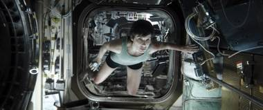 Sandra Bullock is not having a nice time in 'Gravity.'